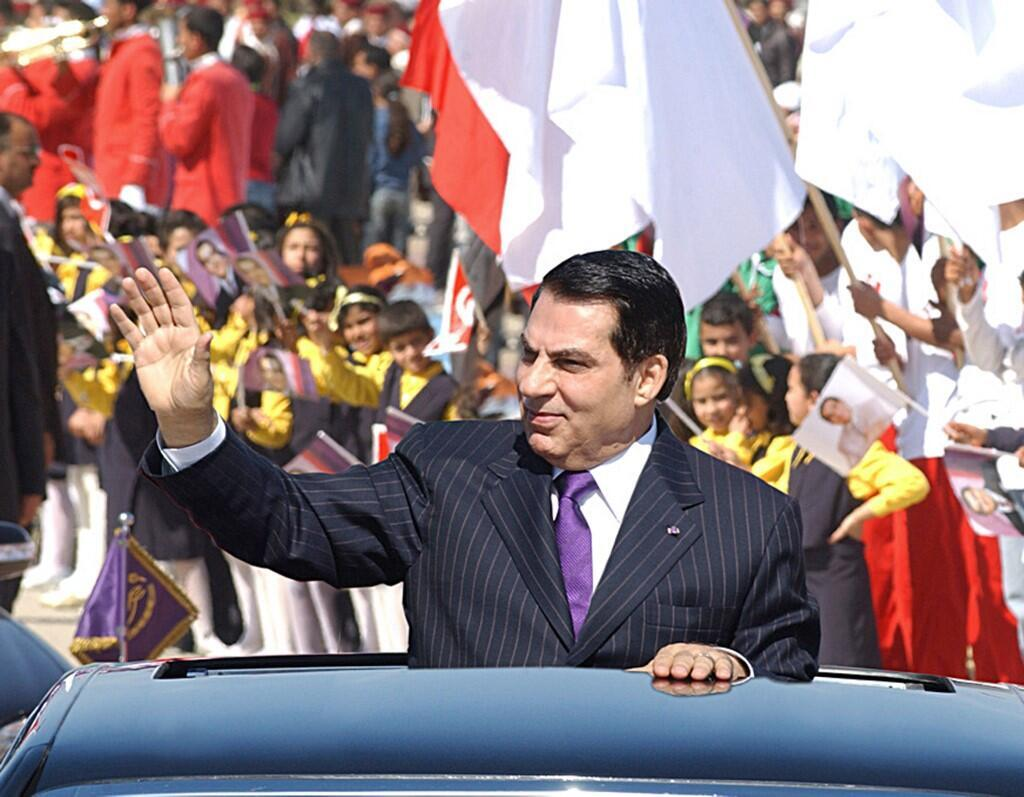 زینالعابدین بن علی، رییسجمهوری سابق تونس، که در پی تحولات بهار عربی، ناچار به ترک کشورش شده بود، در سن ۸۳ سالگی، در جده در عربستان سعودی درگذشت.