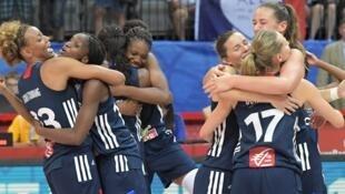 La joie des Françaises après leur qualification en finale de l'Euro.
