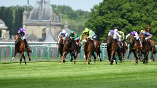 St. Mark's Basilica and Mendizabal dominate the premier French classic at Chantilly