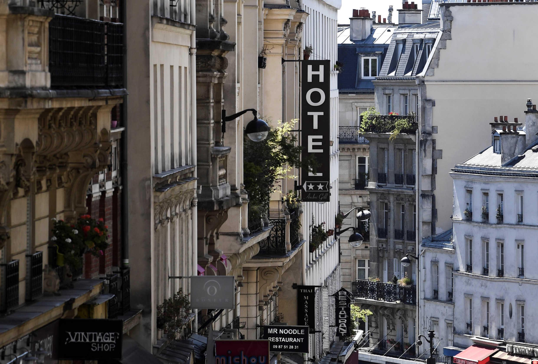 """Ngành khách sạn bị """"trúng độc"""" của virus corona."""