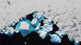 Айсберг у берегов Гренландии, 18 июня 2018