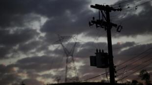 Kinh tế Brazil cũng u ám như bầu trời Sao Paulo lúc đang bị mây đen vần vũ.