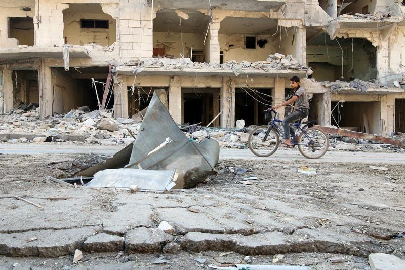 Vários bairros de Aleppo, principal metrópole econômica, cultural e cultural síria, foram bombardeados