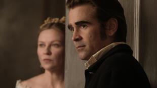 """Kirsten Dunst e Colin Farrell em """"O Estranho que nós amamos"""", de Sofia Coppola."""