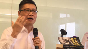 香港2014年占领运动三名发起人之一,中文大学社会学系副教授陈健民2017年10月16日在香港参加一次讲座活动时指香港进入威权年代。
