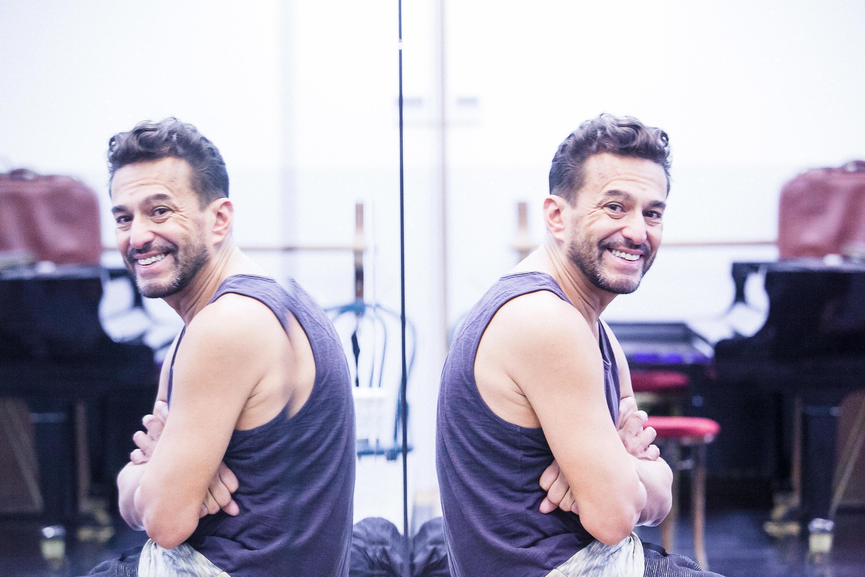 O bailarino e coreógrafo cearense Cláudio Bernardo