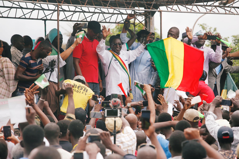 Soumaïla Cissé, candidato infeliz da eleição presidencial no Mali, durante uma manifestação de contestação dos resultados, em Bamako, a 18 de Agosto de 2018