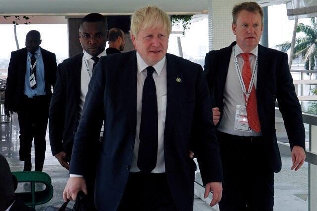 Sakataren harkokin wajen Burtaniya kenan Boris Johnson lokacin da ya isa Abidjan