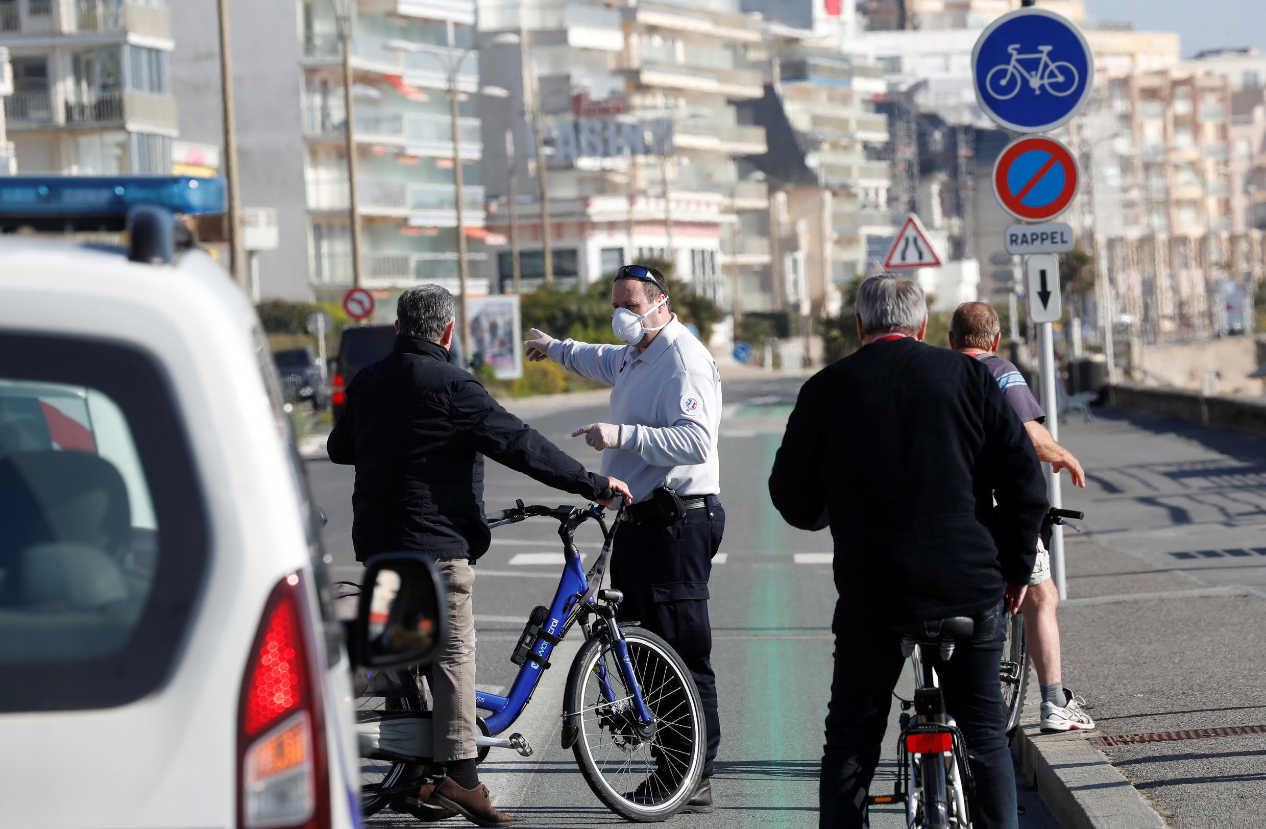 French police impose lockdown