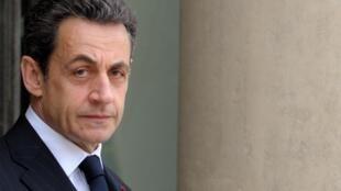លោកនីកូឡា សាកូហ្ស៊ី (Nicolas Sarkozy) ប្រធានាធិបតីបារាំង