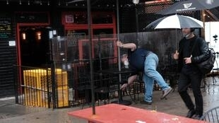 Covid-19: New York impose un couvre-feu aux restaurants face à la recrudescence des cas