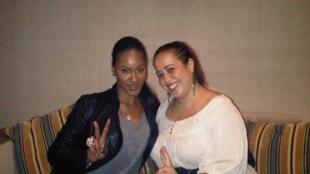 Notre correspondante Karima Zerrou et la chanteuse Shontelle