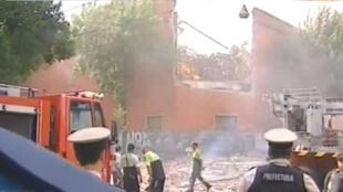 Captura de vídeo do incêndio em um depósito no bairro de Barracas, em Buenos Aires.