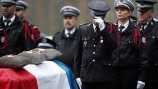مراسم بزرگداشت چهار قربانی کشتار در اداره پلیس پاریس