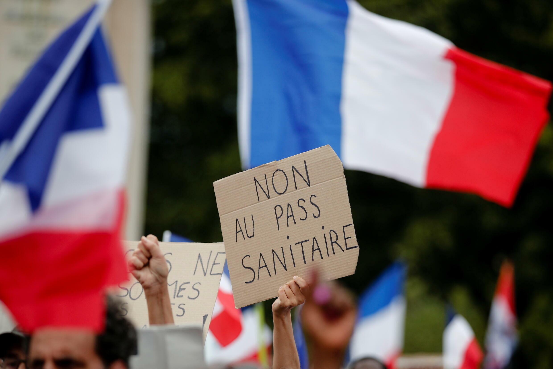 2021-07-24T165808Z_1602755096_RC22RO901PQV_RTRMADP_3_HEALTH-CORONAVIRUS-FRANCE-PROTEST