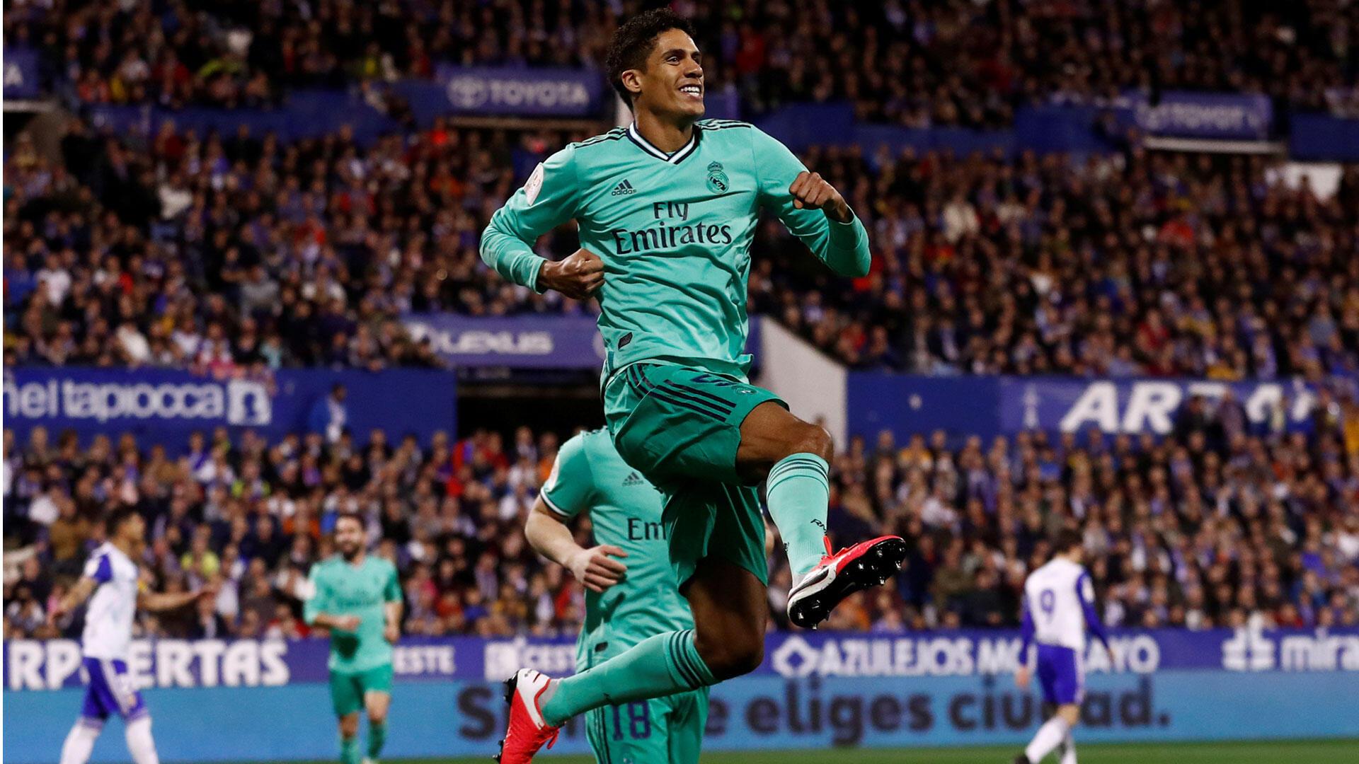 Raphaël Varane célèbre le premier but du Real Madrid contre le Real Zaragoza le 29 janvier 2020.
