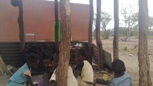 Violência xenófoba contra moçambicanos na África do sul. Foto de arquivo, crianças moçambicanas na fronteira entre os 2 países