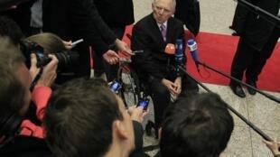 Le ministre allemand des Finances, Wolfgang Schäuble, arrive à une réunion de l'Eurogroupe, le mardi 20 novembre 2012.