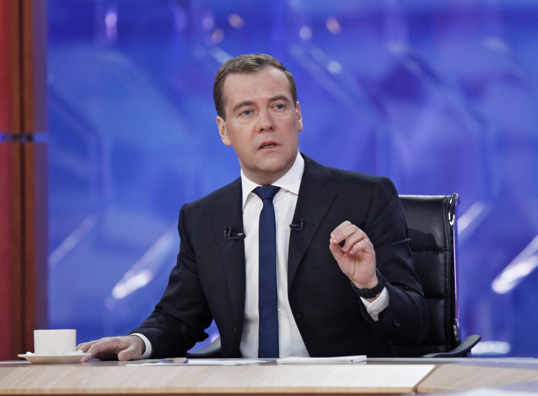 По словам бывшего главы МИД Абхазии, после завершения «пятидневной войны» в августе 2008 года находившийся в то время на посту президента РФ Дмитрий Медведев не спешил признавать независимость Абхазии и Южной Осетии.