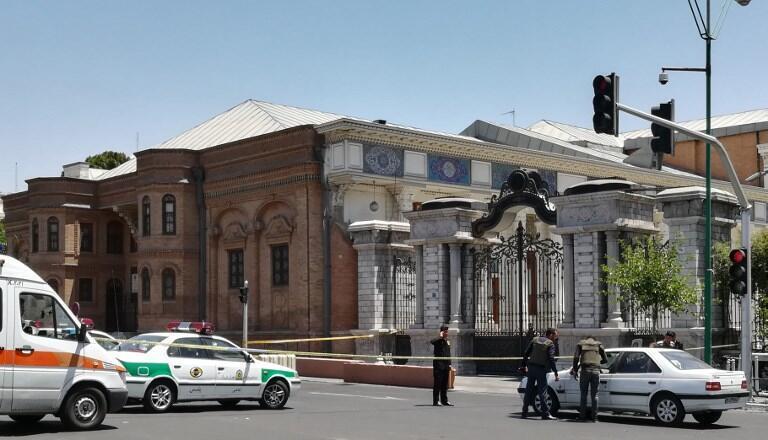 پس از حمله تروریستی به مجلس شورای اسلامی، نیروهای ویژه پلیس در اطراف این ساختمان مستقر شدند. چهار شنبه ۱٧ خرداد/ ٧ ژوئن ٢٠۱٧