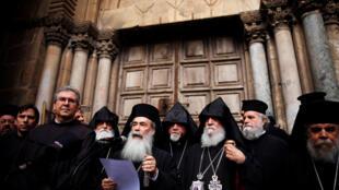 Патриарх Иерусалимский Феофил III объявляет о закрытии Храма Гроба Господня в знак протеста, 25 февраля 2018 г.
