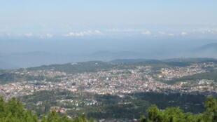 Une vue générale de Shillong, dans l'Etat du Meghalaya, l'un des seuls Etats du nord-est de l'Inde à ne pas souffrir de conflits ethniques et aussi l'un des plus développés.