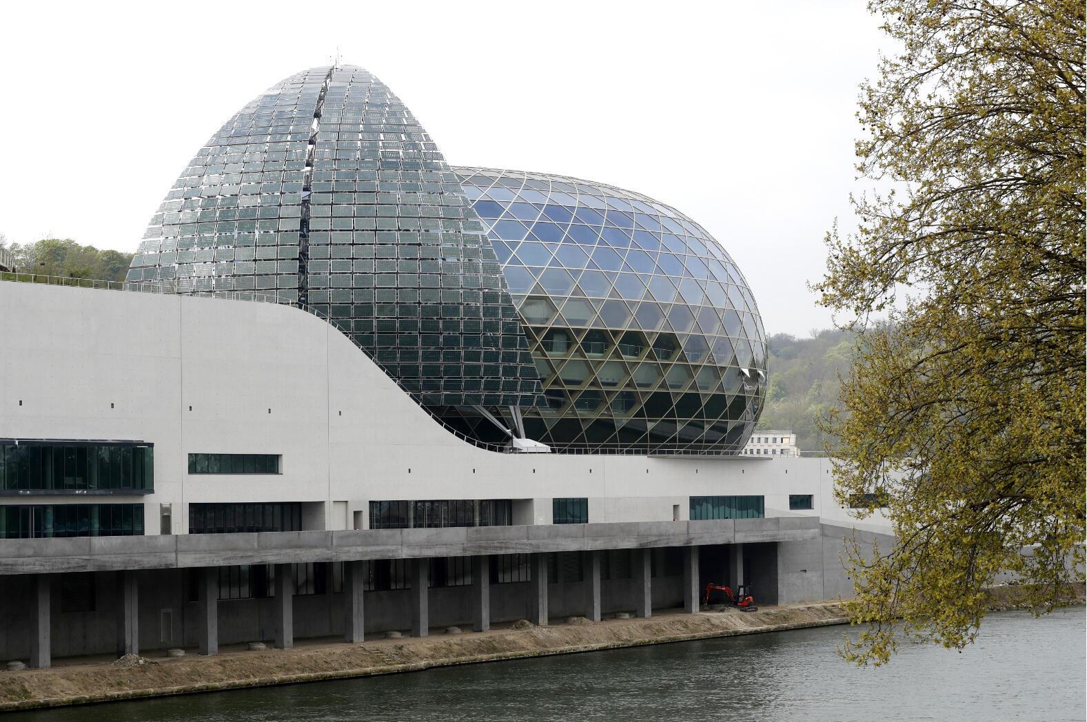 La Seine Musicale sur l'île Séguin, à Boulogne-Billancourt, conçue par les architectes Shigeru Ban et Jean de Gastine.
