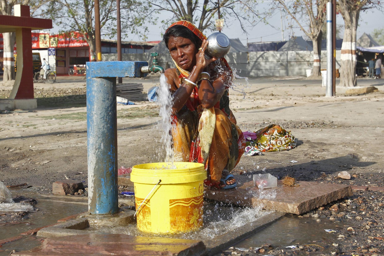 Mais de 2,5 bilhões de pessoas se prejudicam com a falta de banheiros no mundo, segundo a ONU.