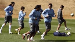 A seleção do Uruguai faz o último treino antes da semifinal.