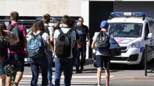 Os menores de idade representam atualmente 20% do total de franceses radicalizados, segundo pesquisa publicada jornal Le Figaro no começo de 2016.