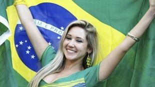 Mundial de Futebol  começou a 12 de Junho de 2014 no Brasil.
