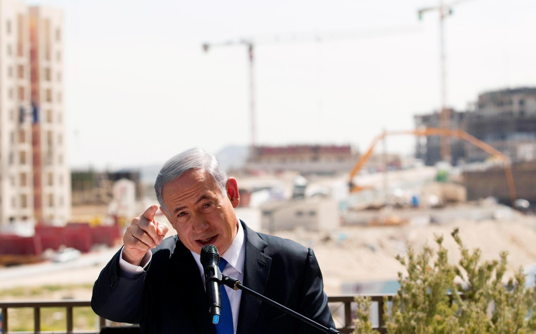 Thủ tướng Israel Benjamin Netanyahu phát biểu trên một công trường xây dựng khu định cư Do Thái, ở Cisjordanie, ngày 16/03/2015