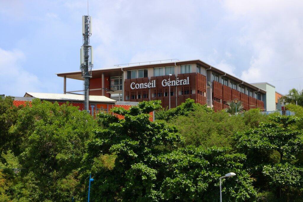 Le siège du Conseil général de Mayotte, symbole de la départementalisation.