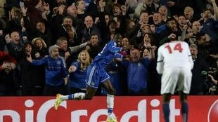 Demba Ba marcou o golo que qualificou o Chelsea.