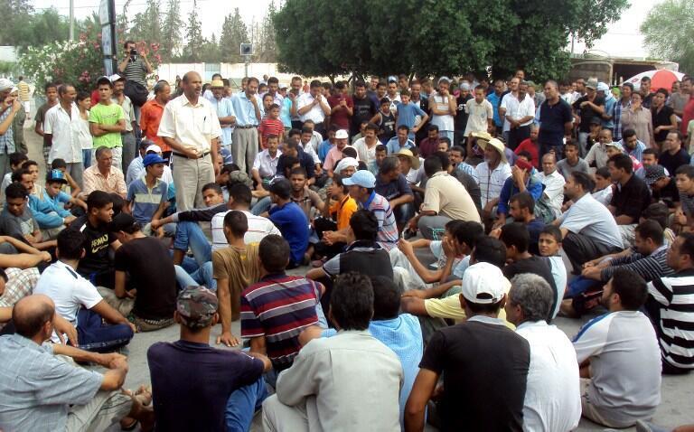 Après un sit-in organisé à Menzel Bouzaïane, samedi, la région de Sidi-Bouzid connaît une nouvelle journée de grève ce lundi.