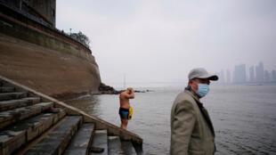 Une loi pour protéger le Yangtsé: le plus grand fleuve de Chine asphyxié par la pollution