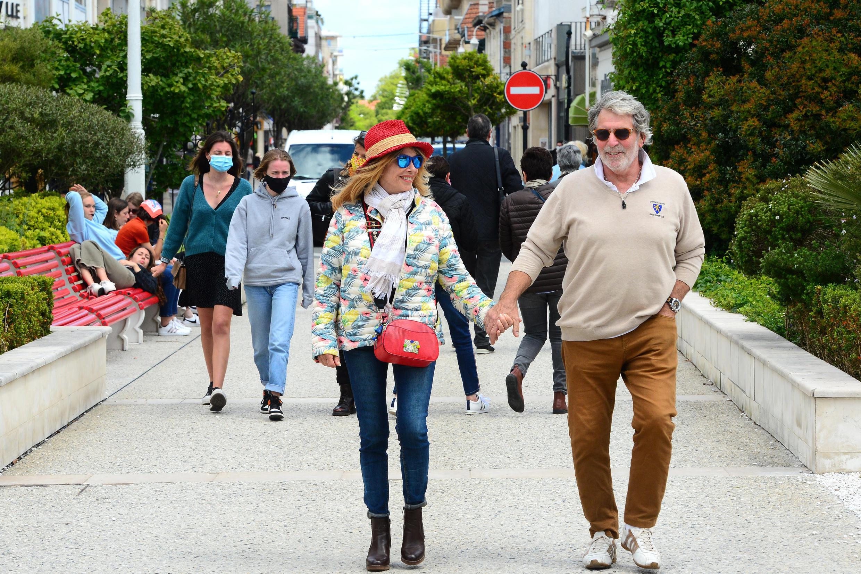 Em Arcachon, no sudoeste da França, a máscara não é mais obrigatória no espaço público desde o dia 19 de maio