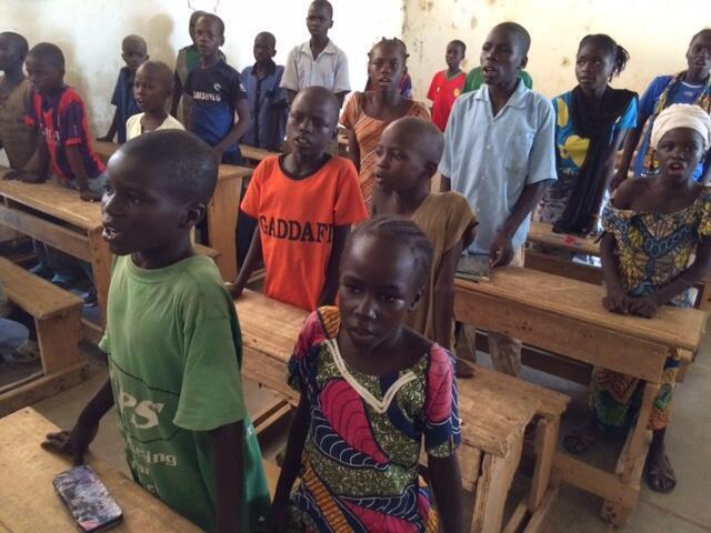 10 milhões de crianças poderão nunca mais voltar à escola após o confinamento, devido às consequências econ>micas da pandemia de Covid-19, alerta a ong britânica Save the Children.