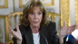 L'avocate et présidente de «Choisir la cause des femmes» Gisèle Halimi s'exprime, le 14 novembre 2003 à Paris, lors de son audition par la commission Stasi sur la laïcité.