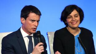 Le Premier ministre Manuel Valls (g) et la ministre du Travail Myriam El Khomri, à Matignon, le 14 mars 2016.