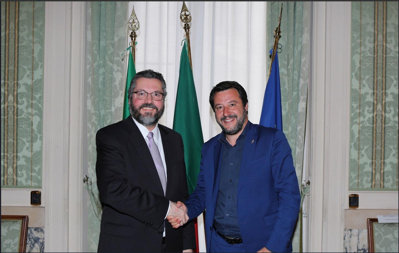 O ministro do Interior italiano, Matteo Salvini, recebeu o chanceler brasileiro Ernesto Araújo em Roma, nesta quarta-feira 8 de maio de 2019.