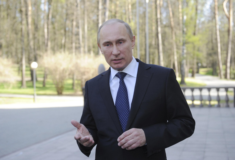 Владимир Путин в резиденции в Ново-Огарево 03/05/2012