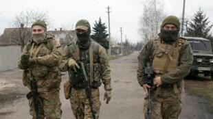 2021-04-14T143333Z_98025049_RC2QVM9HM8SG_RTRMADP_3_UKRAINE-CRISIS