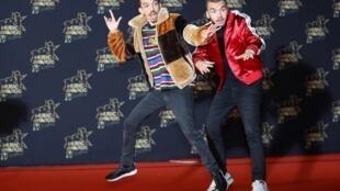 Рэп-дуэт Bigflo & Oli на конкурсе NRJ Music Awards в Каннах 10 ноября 2018