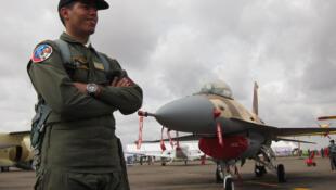 Lớp đào tạo phi công F16 tại Tucson, Arizona (Olivier Fourt/ RFI)