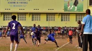 Lors d'un match de football au Burundi.