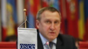 Министр иностранных дел Украины Андрей Дещица в штаб-квартире ОБСЕ в Вене 14 апреля 2014 года