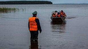 Во время шторма на Сямозере в Карелии погибли 14 участвовавших в походе детей в возрасте 12–15 лет.