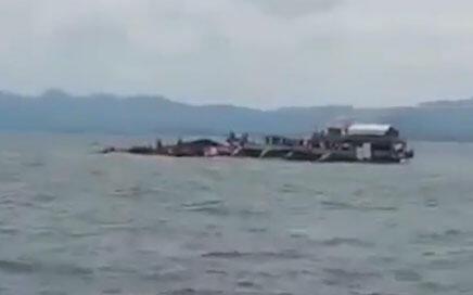 Imagem de vídeo da balsa Kim Nirvana, que naufragou no centro das Filipinas.