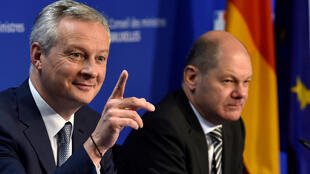 French Economy Minister Bruno Le Maire and German Finance Minister Olaf Scholz hold a news conference after a Euro zone finance ministers meeting in Brussels, Belgium November 19, 2018.